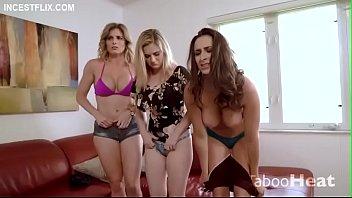 Девчонки трахаются до струйного сквирт оргазма подборка