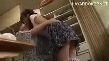 Жаркая порка в половую щелочку с братом натолкнула сестру на разрыв виновностей с парнем