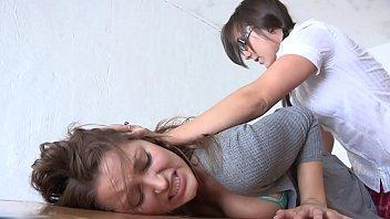 Секс худенькой тайки с волосатой киской с двумя кавалерами